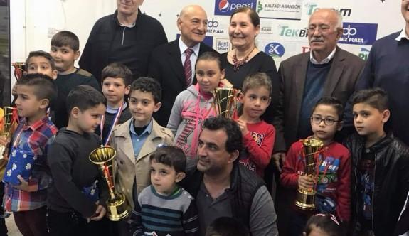 Salih Başman Turnuvası'nın ödülleri verildi