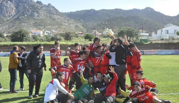 Sezonun ilk şampiyonu Hamitköy U21 Takımı