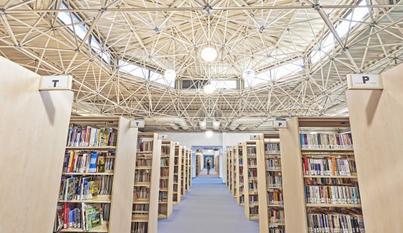 YDÜ Kütüphanesi rekor kırıyor
