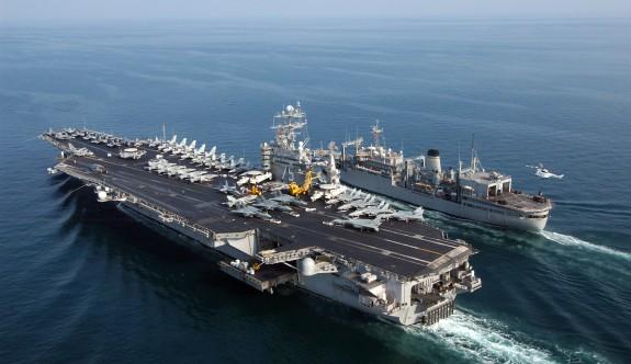 Akdeniz'de savaş gemileri cirit atıyor