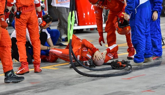 Bahreyn'de Raikkonen mekanikerin bacağını ezdi