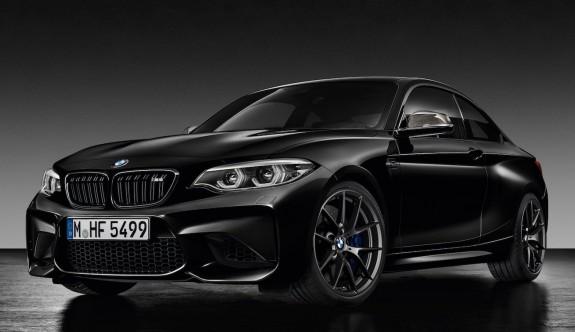 BMW M2'ye simsiyah bir özel seri