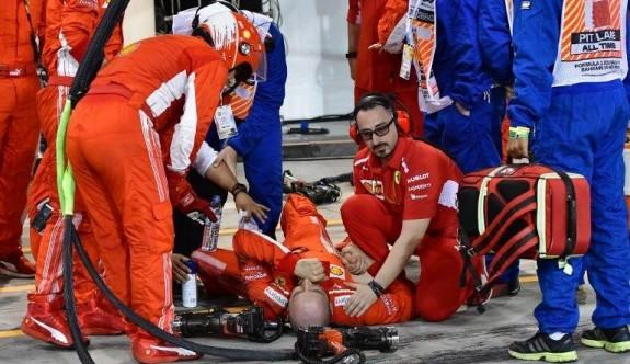 Formula 1 pilotu mekaniklerin bacağını ezdi