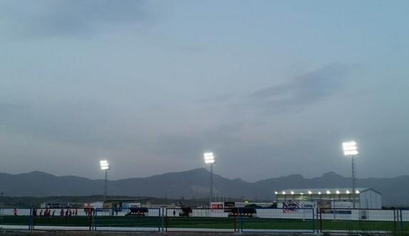 Göçmenköy Stadı ışıldıyor