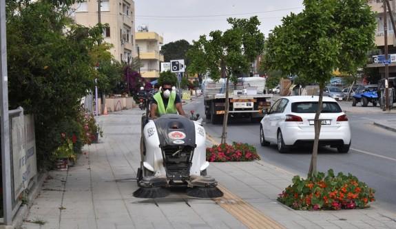 Gönyeli'de sokak ve kaldırımların temizliğine yeni alet
