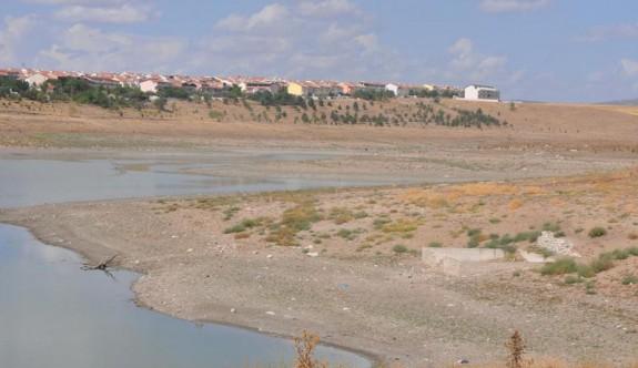 Güney Kıbrıs'ta su rezervleri tükenme noktasında