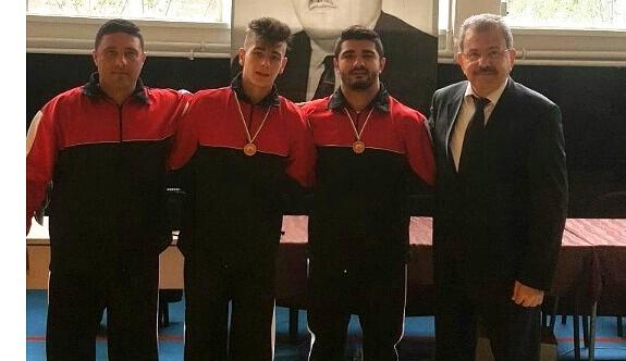 Güreşçilerimiz Bulgaristan'dan madalyalar ile dönüyor