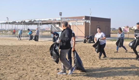 Mağusa'da sahiller temizlendi