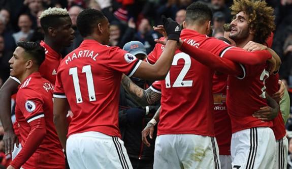Manchester United, Arsenal'i son anda yıktı