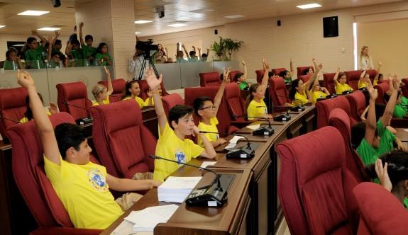 Meclis, çocuklarla şenlendi