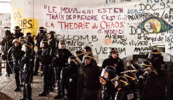Paris'te üniversiteye şafak operasyonu