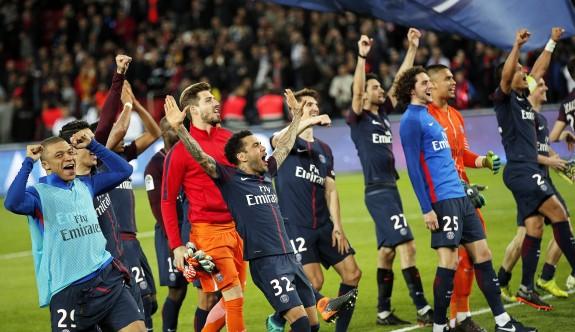 PSG de şampiyonluk ipini göğüsledi