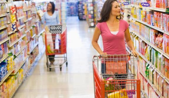 Rumlar, akaryakıt, market ve konfeksiyon alışverişlerinde kuzeye yöneldiler