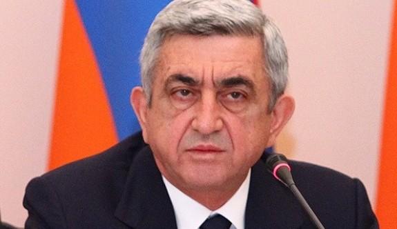 Sarkisyan protestolara dayanamadı