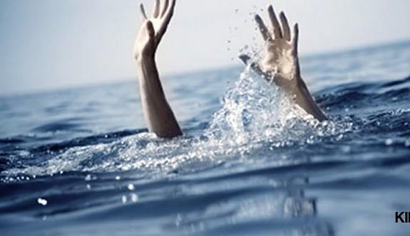 Üç kişi boğulmaktan son anda kurtarıldı