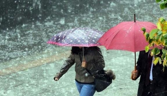 Yarın öğlen saatlerinde yer yer yağmur bekleniyor