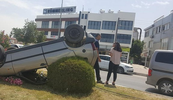 YDÜ kavşağında korkutan kaza