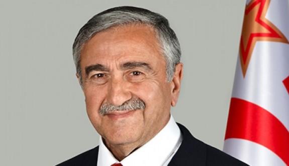 Akıncı'dan İngiltere'de yerel seçimlerde başarılı olan Kıbrıslı Türklere kutlama