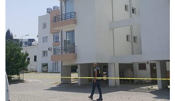 Apartmanın üst katından düşen genç ağır yaralandı