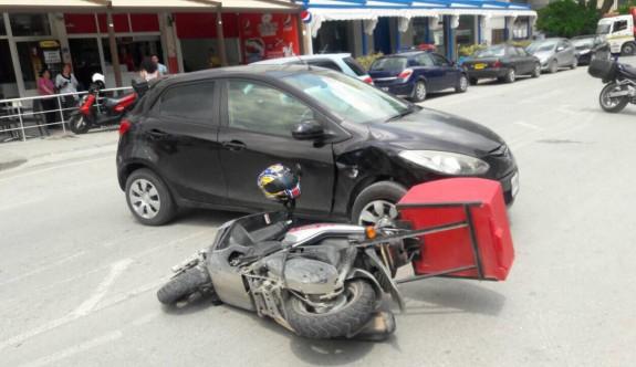Dikkatsizce U dönüşü yapınca kaza kaçınılmaz oldu