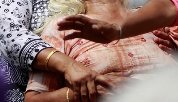 Dul maaşı için ölmüş annelerini sakladılar
