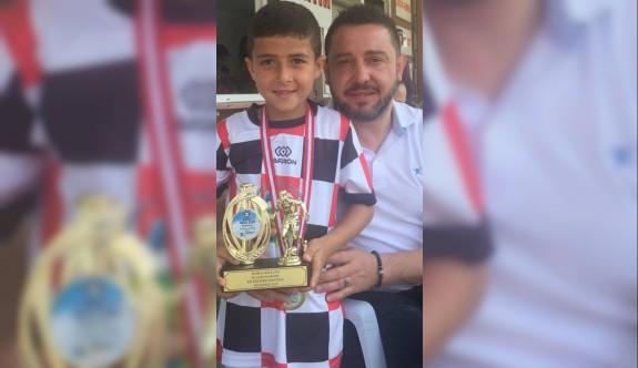 Gelecek vaat eden futbolcu Erez