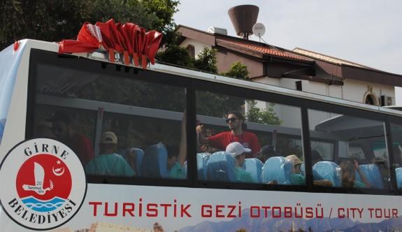 Girne'de turistik gezi otobüsü hizmete başlıyor