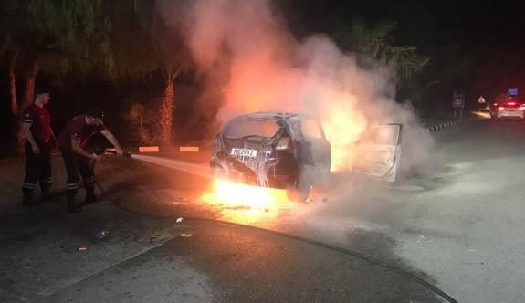 Kiralık araç cayır cayır yandı