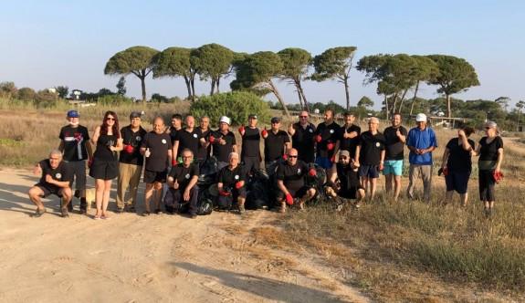 Kocareis-Venüs Otel arasında sahil temizliği yaptılar