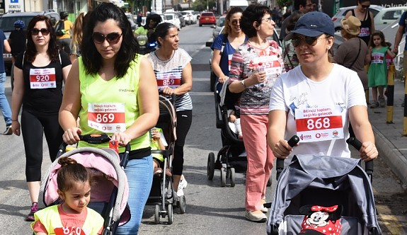 """Lefkoşa'da """"Bilinçli Toplum, Sağlıklı Gelecek İçin Yürüyoruz"""" etkinliği yapıldı"""
