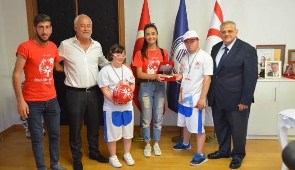 Özel sporcular DAÜ'de buluştu