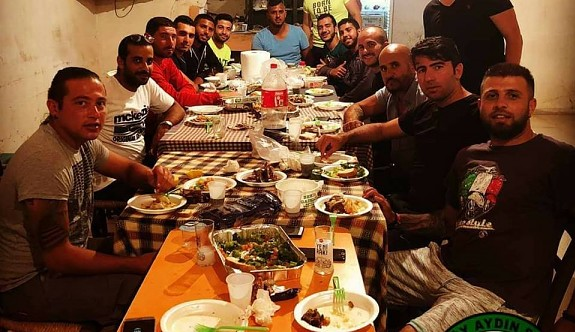 Türkmenköy başarısını yemekle kutladı