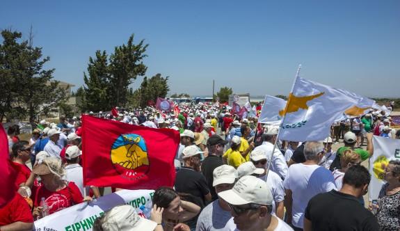 Ağrotour Üssü'ne iki toplumlu Barış Yürüyüşü