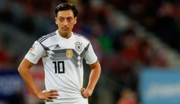 Almanya'da Mesut Özil şoku