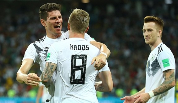 Almanya Kroos'la hayata döndü