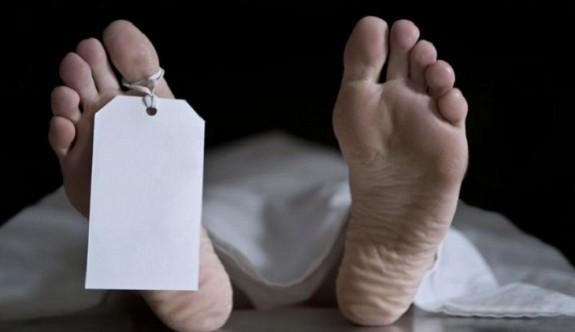 Azebaycanlı şahıs Alsancak'ta havuzda ölü bulundu