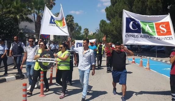 CAS çalışanlarından Başbakanlık önünde eylem