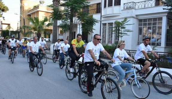 Çevre kirliliğine karşı bisikletli mesaj