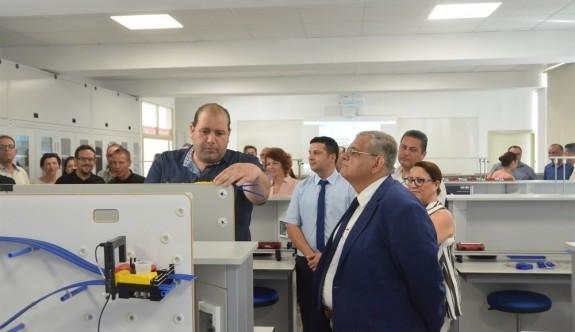 DAÜ Fen Edebiyat Fakültesi'ne 3 yeni laboratuvar açıldı
