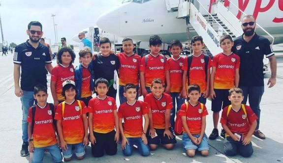 Dumlupınar U10 Takımı, Antalya'da turnuvaya katılıyor