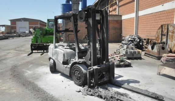 Forkliftteki yangın ucuz atlatıldı