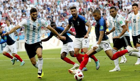 Fransa, Arjantin'i Mbappe'yle geçti