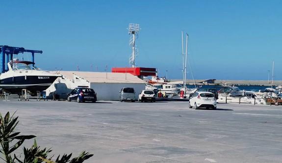 Gemi'deki tır dorsesinde 18 kaçak yakalandı