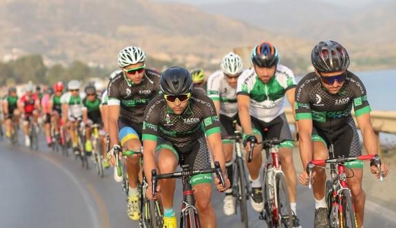 Green Pedal, Long Beach Bisiklet Yol Yarışı yapılıyor