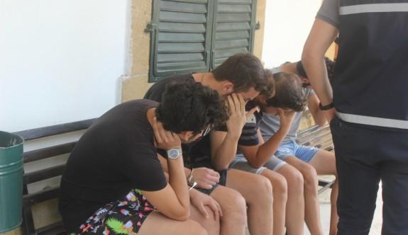 Kafadar gençler hırsızlıktan tutuklandı