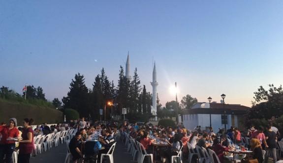 Kızılay'dan  Ramazan'da 200 bin kişiye iftar yemeği
