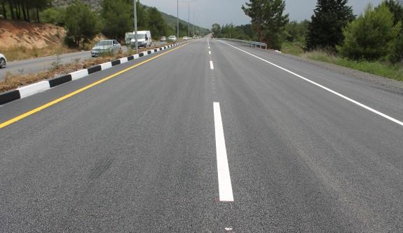 Lefkoşa-Girne anayolunun yenilenen bölümü trafiğe açıldı
