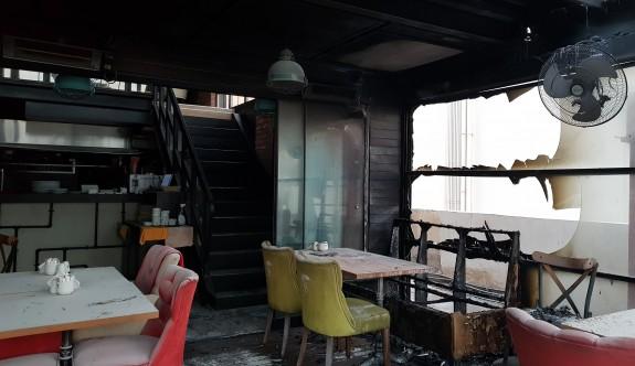Mağusa'da ünlü cafe kundaklandı