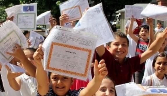 Ortaokul ve Liseler yarın karnelerini alacak