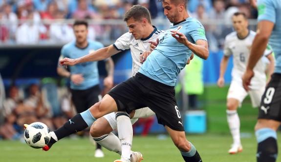 Uruguay, lider turladı